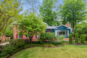 Three Bedroom Homes for Sale in Bethesda