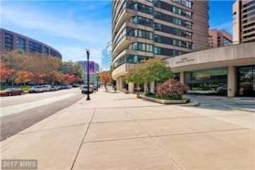 condos for sale in Crystal City